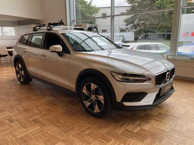 Volvo V60 B4 AWD AUT CROSS COUNTRY
